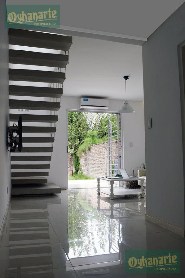 Foto Casa en Venta en  Villa Gobernador Udaondo,  Ituzaingo  DE LAS CAÑONERAS entre  y