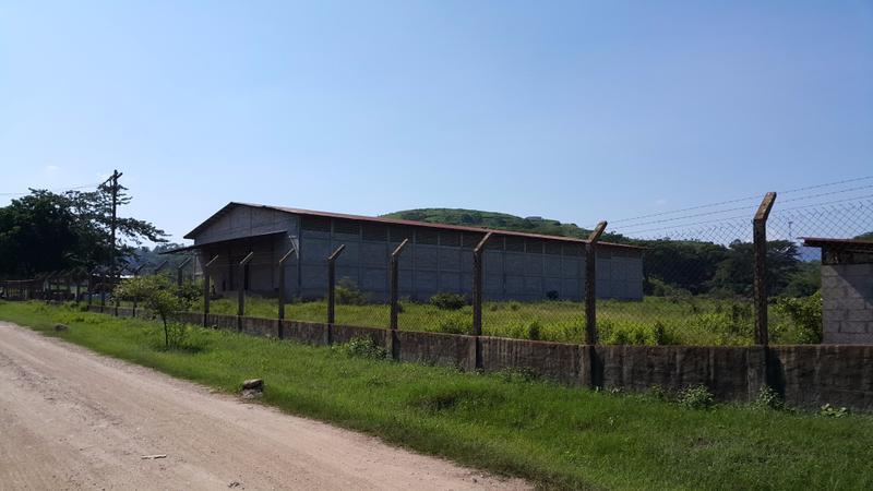 Foto Bodega Industrial en Venta | Renta en  Dos Caminos,  Villanueva  Propiedad con Bodega en Venta o Renta en Dos Caminos
