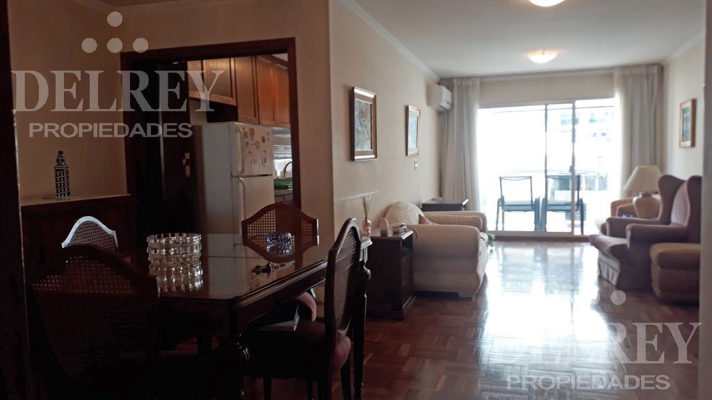 Foto Departamento en Alquiler en  Pocitos ,  Montevideo  Buxareo y Echevarriarza
