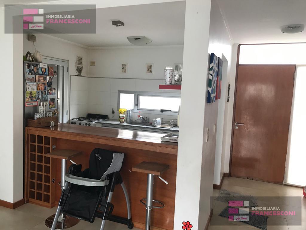 Foto Casa en Venta en  Joaquin Gorina,  La Plata  132bis 508 y 509