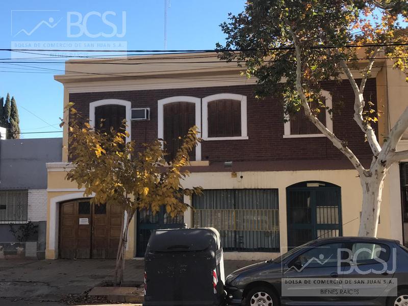 Foto Casa en Venta en  Capital ,  San Juan  Sarmiento al 600