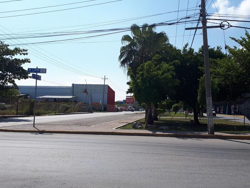 Foto Terreno en Venta en  Playa del Carmen Centro,  Solidaridad  SE VENDE TERRENO EN ESQUINA AVENIDA 45 PLAYA DEL CARMEN C2374