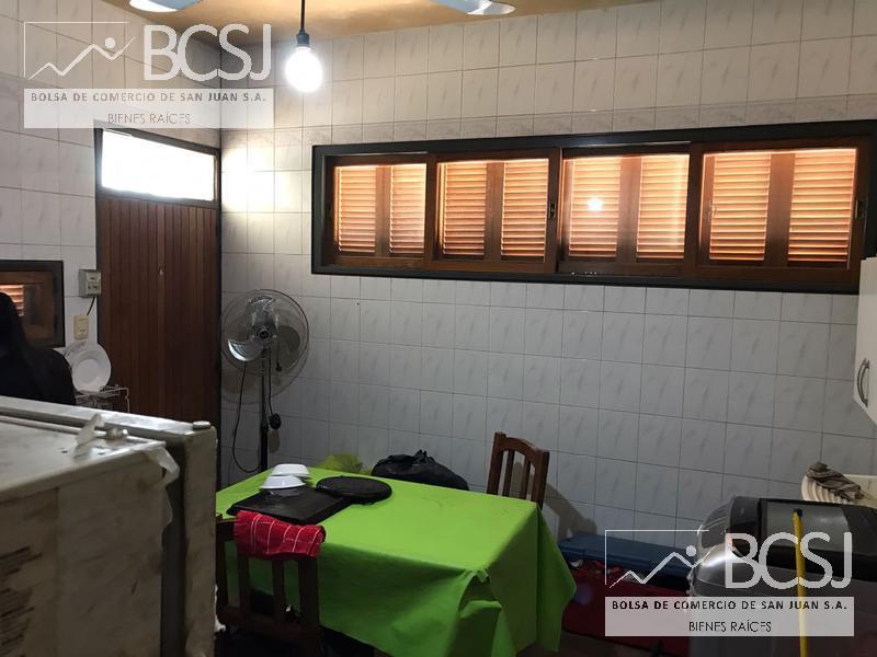 Foto Casa en Venta en  Capital ,  San Juan  Sarmiento esquina San Agustin - al 200
