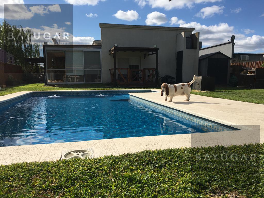 Foto Casa en Venta en  Manzanares Chico,  Countries/B.Cerrado (Pilar)  Av. Mitre al 400