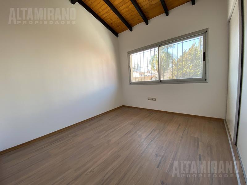 Foto Casa en Venta en  Villa Ballester,  General San Martin  Avellaneda al 2400 entre Buenos Aires y Bv. Ballester