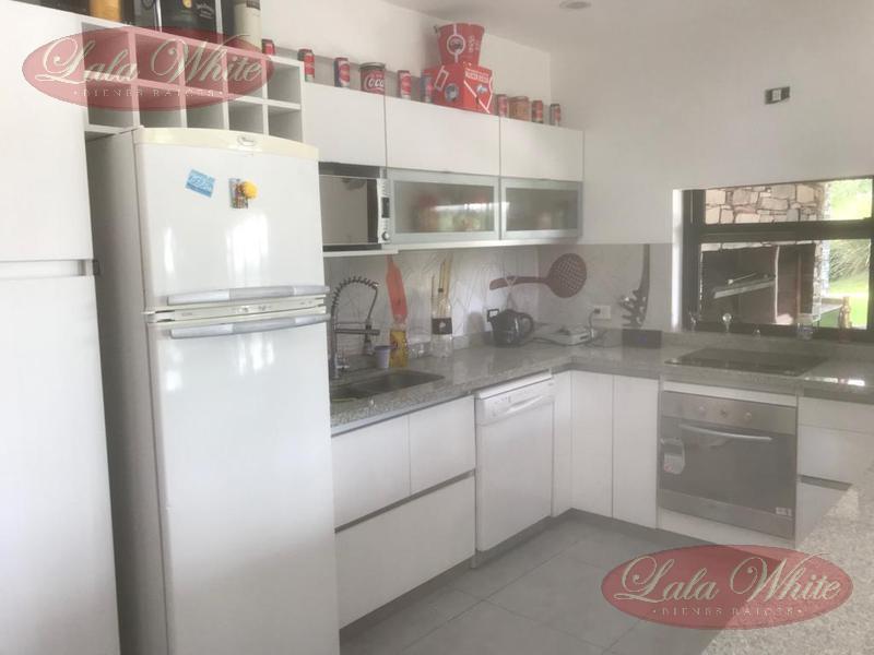 Foto Casa en Venta | Alquiler temporario en  Terralagos,  Countries/B.Cerrado (Ezeiza)  Casa en Venta/Alquiler temporario en Terralagos