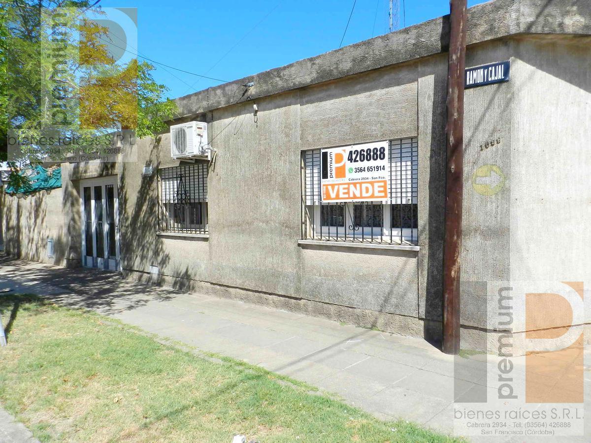 Foto Casa en Venta en  Roca,  San Francisco  Ramón y Cajal al 1000