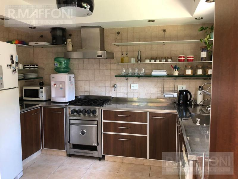 Foto Casa en Venta en  Adrogue,  Almirante Brown  Uriburu al 700