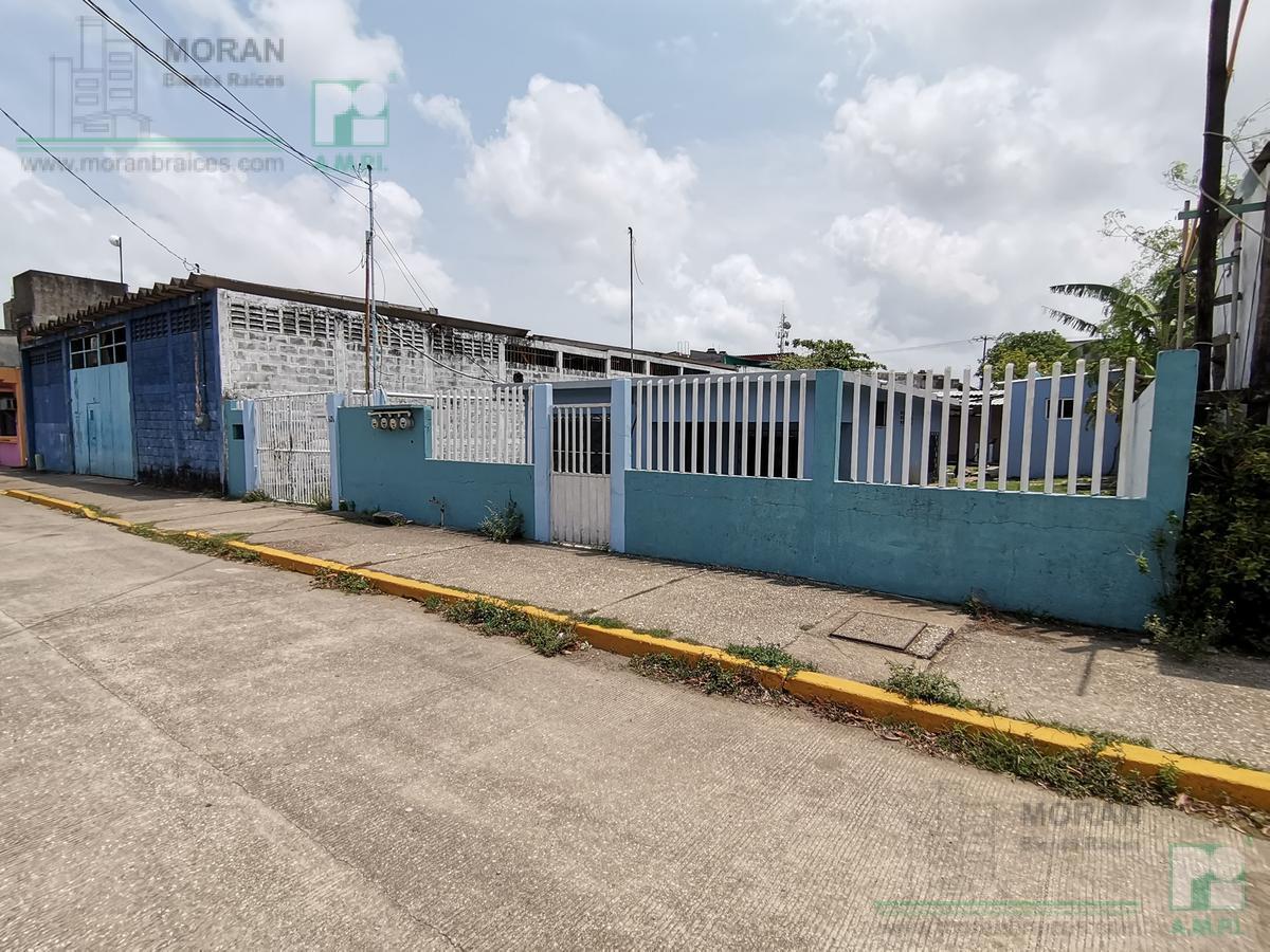 Foto Casa en Venta en  Frutos de La Revolución,  Coatzacoalcos  Calle Adolfo López Mateos No. 606, Col. Frutos de la Revolución, Coatzacalcos, Ver.
