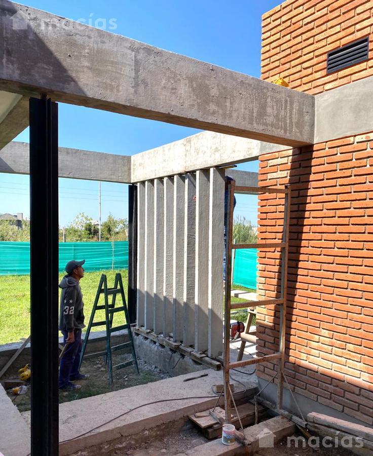 Foto Casa en Venta en  Av. Peron ,  Yerba Buena  Casa Praderas Resort