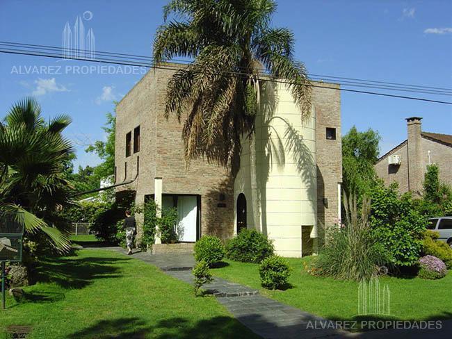 Foto Casa en Venta en  Pilar ,  G.B.A. Zona Norte  Los Aromos al 100