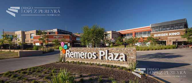 """Foto Local en Venta en  Rincon De Milberg,  Tigre  Todo Financiado en 15 Cuotas de U$13.300/mes . """"remeros Plaza Shopping"""" - Av. Sta. María de las Conchas al 4700"""