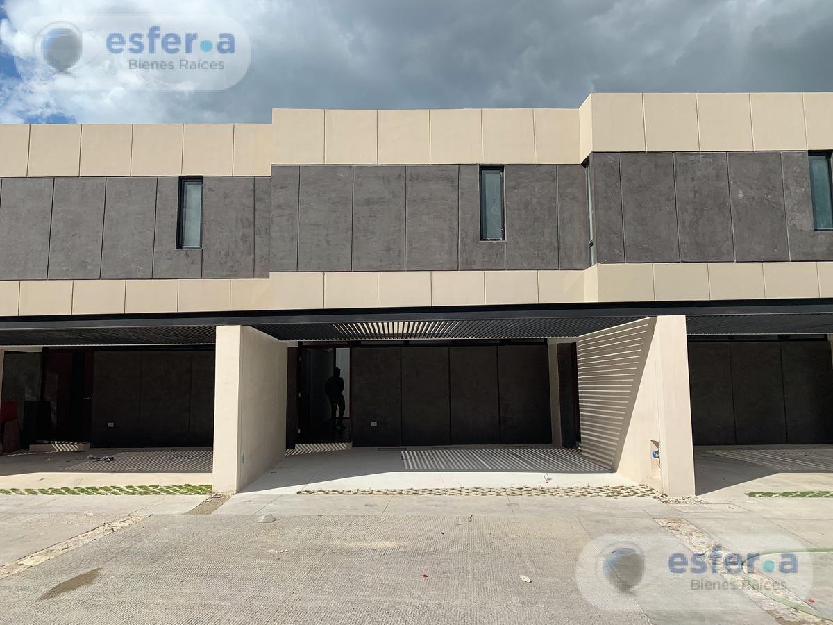Foto Departamento en Venta en  Temozon Norte,  Mérida  TH VENTA   MADERO 54 LOTE 52   TEMOZÓN NORTE