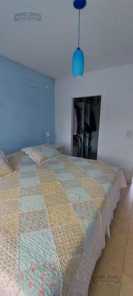 Foto Casa en Venta en  Adrogue,  Almirante Brown  LA GACETA  131 (Nº 6)
