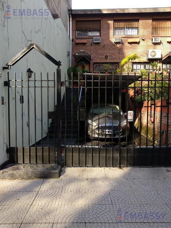 Foto Casa en Venta en  Almagro Norte,  Almagro  Sarmiento al 4400-  Reciclado-  Cochera