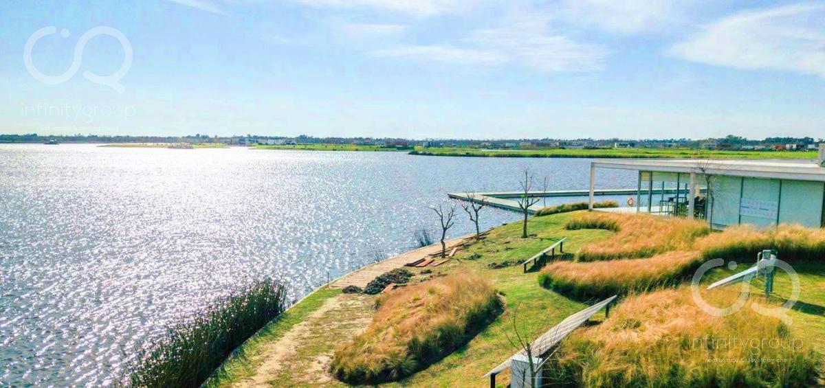 Foto Terreno en Venta en  Vistas,  Puertos del Lago  Lote Al Lago / Puertos - Vistas