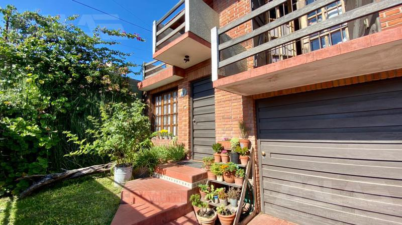 Foto Casa en Venta en  Ituzaingó,  Ituzaingó  Perez Quintana al 800