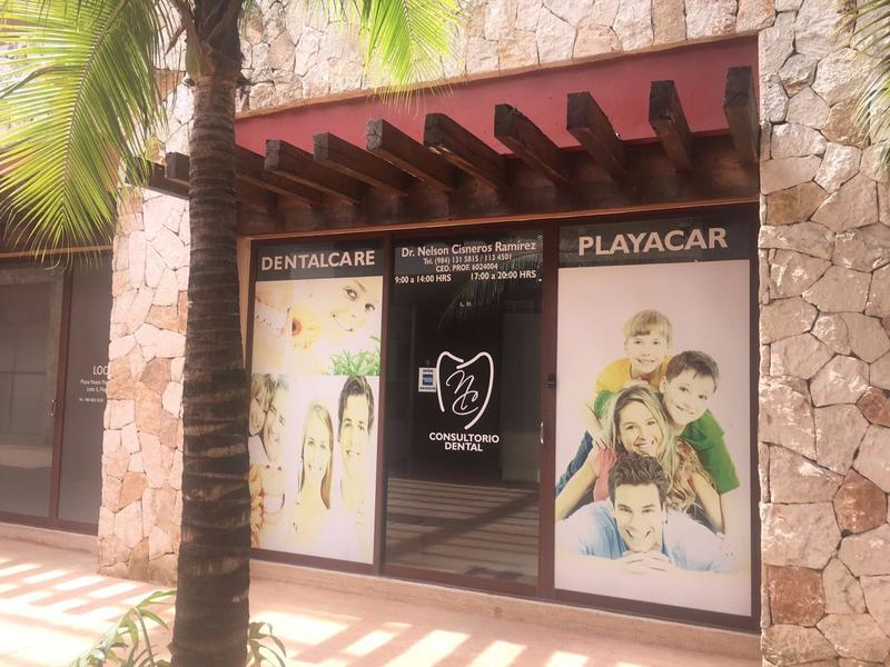Foto Local en Venta en  Solidaridad ,  Quintana Roo  Local Comercial Playacar (Local 5)