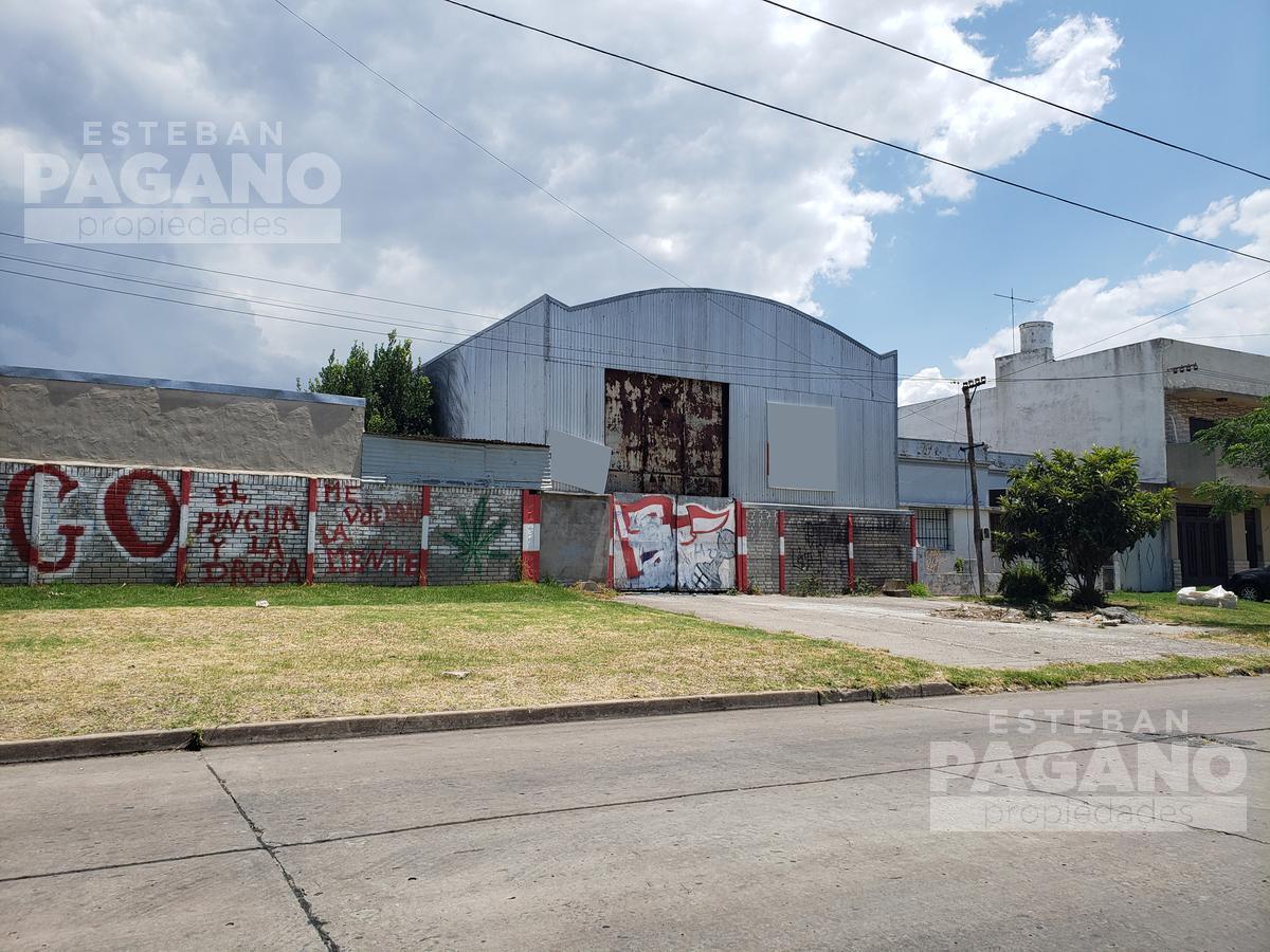 Foto Galpón en Venta en  Tolosa,  La Plata  116 e/ 520 y 521