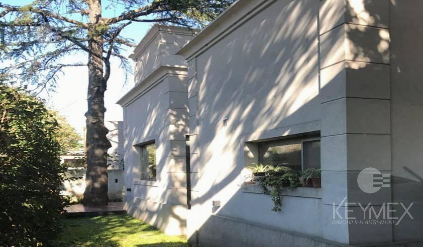 Foto Casa en Venta en  City Bell,  La Plata  MUY BUENA CASA CON PILETA, CITY BELL