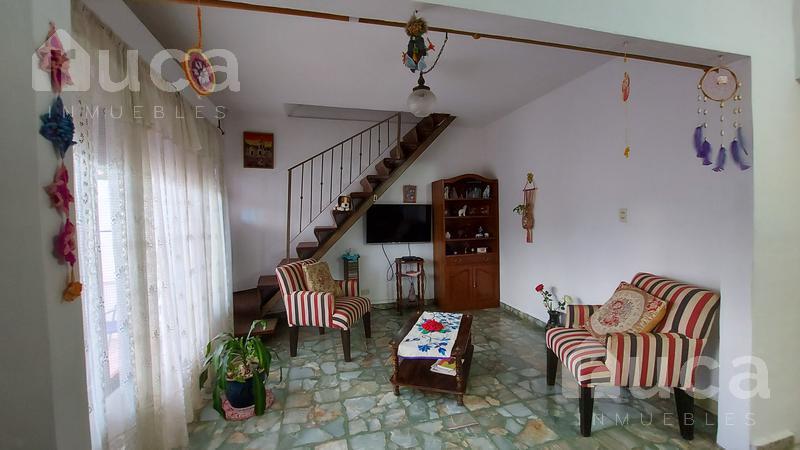 Foto PH en Venta en  Beccar Alto,  Beccar  Pintoresca casa con patio, galería y terraza   Gral. Guido al 3000