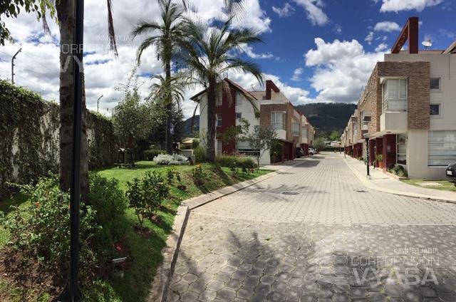 Foto Casa en Venta en  Cumbayá,  Quito  Cumbayá - Lumbisí , vende muy bonita casa de 152,00 m2 - 3 dormitorios