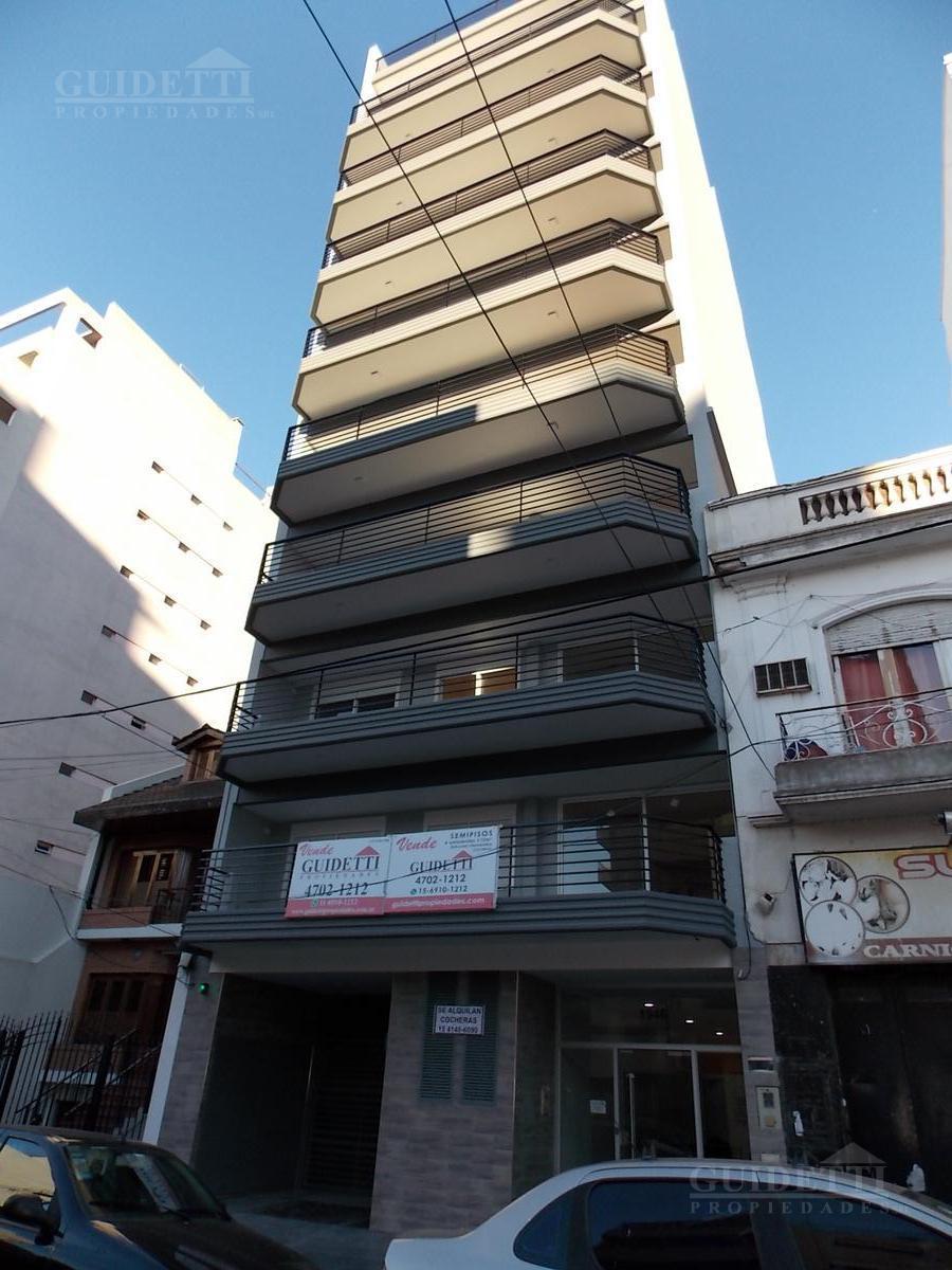 Foto Departamento en Venta |  en  Flores ,  Capital Federal  Felipe Vallese 1946
