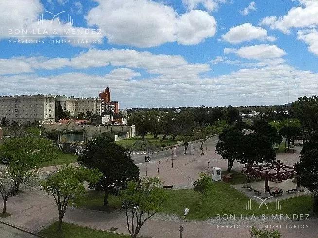 Foto Apartamento en Alquiler temporario | Alquiler en  Centro,  Piriápolis  circunvalación Plaza Artigas renta mínima 10 días