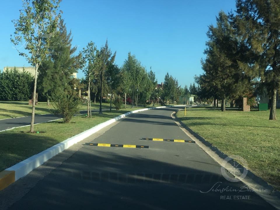 Foto Terreno en Venta en  El Principado,  Countries/B.Cerrado  El Principado
