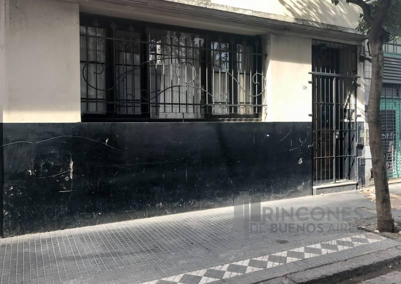 Foto Edificio Comercial en Venta en  San Telmo ,  Capital Federal  Santiago del Estero 700