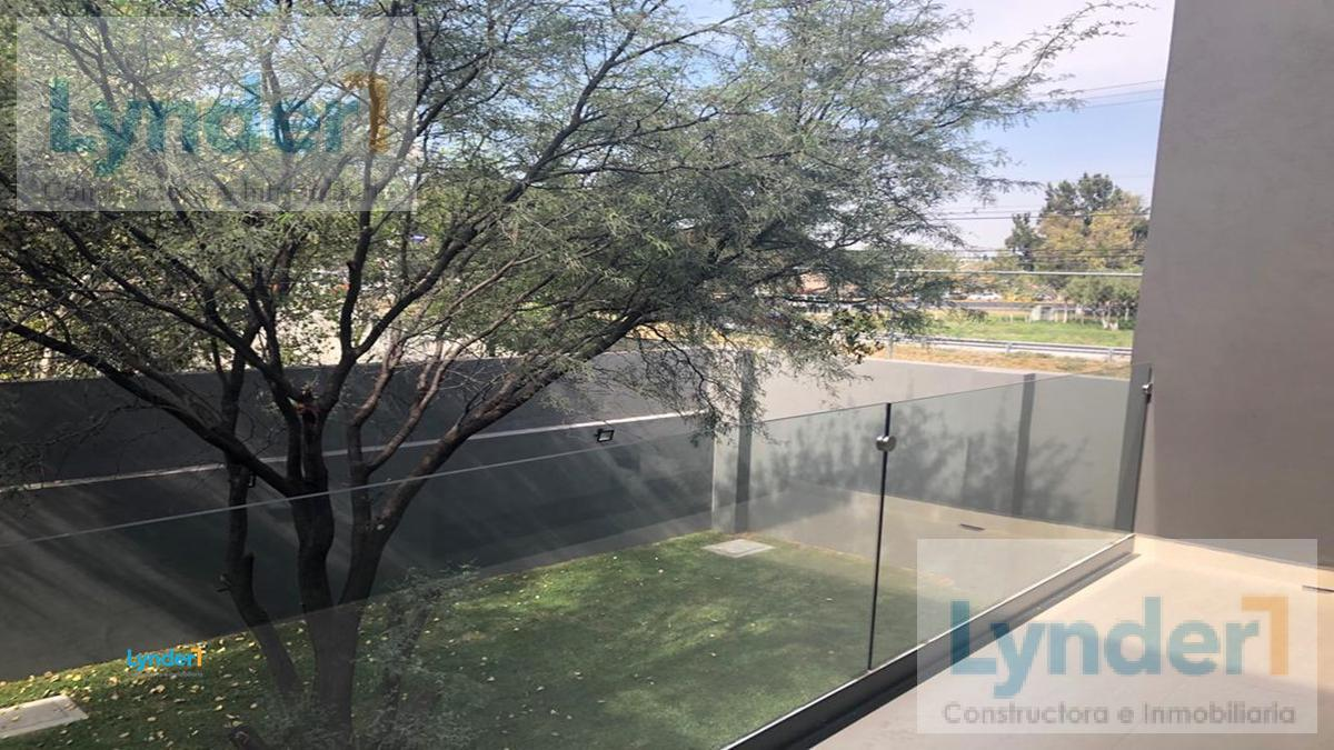 Foto Casa en Venta en  Corregidora,  Querétaro   BONITA RESIDENCIA EN VENTA EXCLUSIVA PRIVADA CON ACCESO CONTROLADO EN HUERTAS DEL CARMEN CORREGIDORA, QUERÉTARO