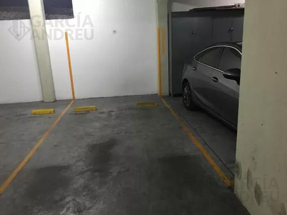 Foto Cochera en Venta en  Macrocentro,  Rosario  Urquiza al 2800