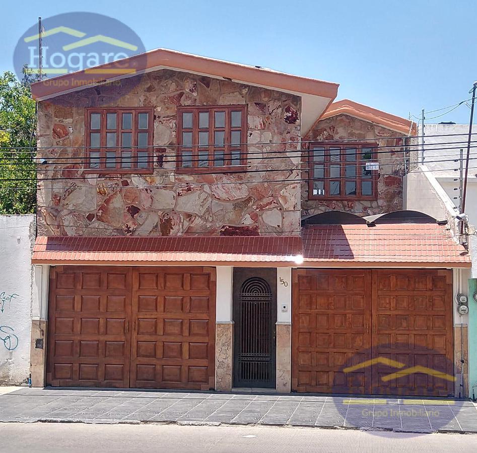 Casa en Venta excelente ubicación sobre Blvd. Bocanegra en León Moderno León Gto.