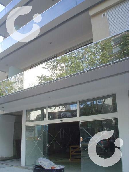 Foto Local en Venta en  Pocitos ,  Montevideo  *IMPORTANTE LOCAL COMERCIAL SOBRE AVENIDA EN POCITOS.