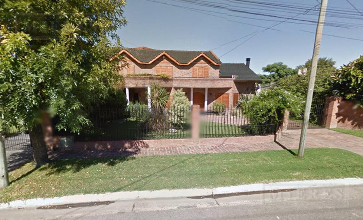 MIERES Propiedades- Casa de 300 mts en Chubut al 1100 Pilar
