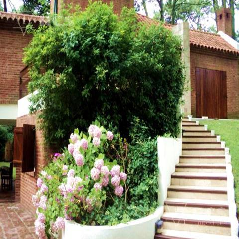 Foto Casa en Venta en  Carilo ,  Costa Atlantica  Casa en Cariló