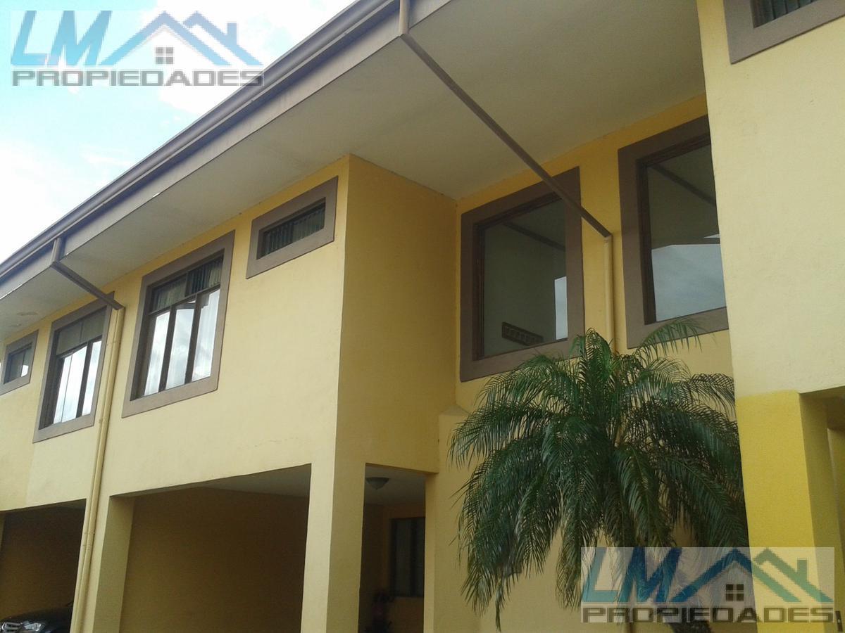 Foto Casa en condominio en Venta en  San Rafael,  Escazu  Urbanizacion Pinar del Rio