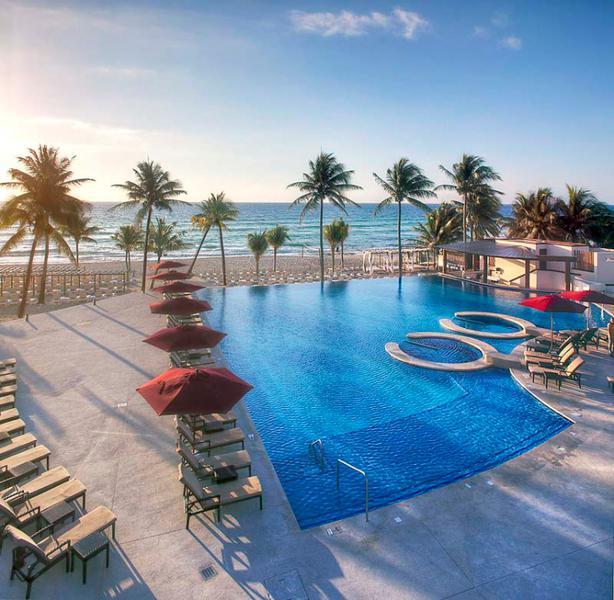 Foto Departamento en Venta en  Playa del Carmen ,  Quintana Roo  DEPTO 2 HAB EN AZUL THE FIVES PLAYA DEL CARMEN P1020
