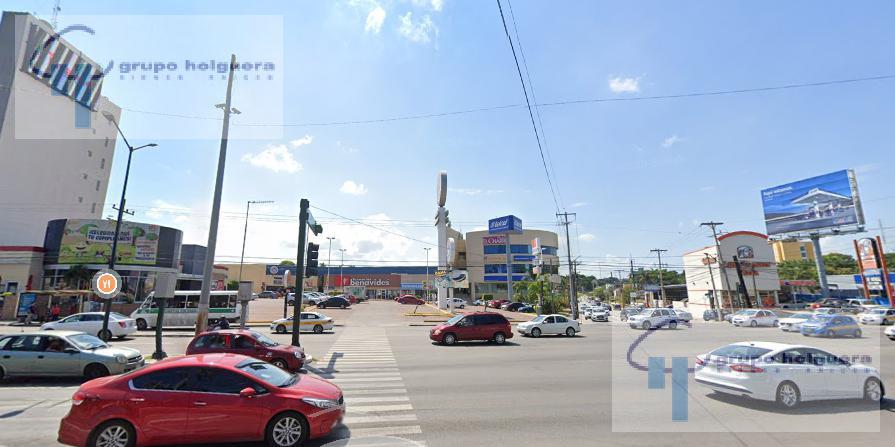 Foto Local en Renta en  El Charro,  Tampico  AMPLIO LOCAL COMERCIAL EN PLAZA EL CHARRO, TAMPICO, TAM.