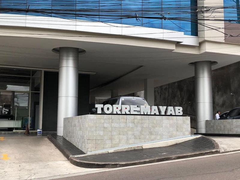 Foto Oficina en Venta en  Lomas del Mayab,  Tegucigalpa  Local En Venta Torre Mayab Lomas Del Guijarro Tegucigalpa