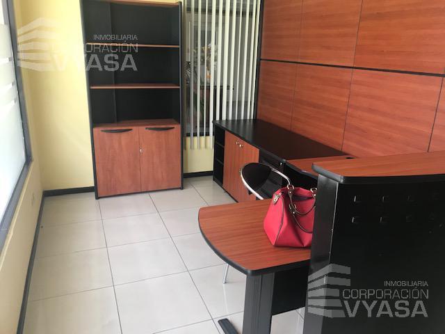 Foto Oficina en Venta en  Bellavista,  Quito  Bellavista - Bosmediano, Oficina de Venta amoblada 100m2