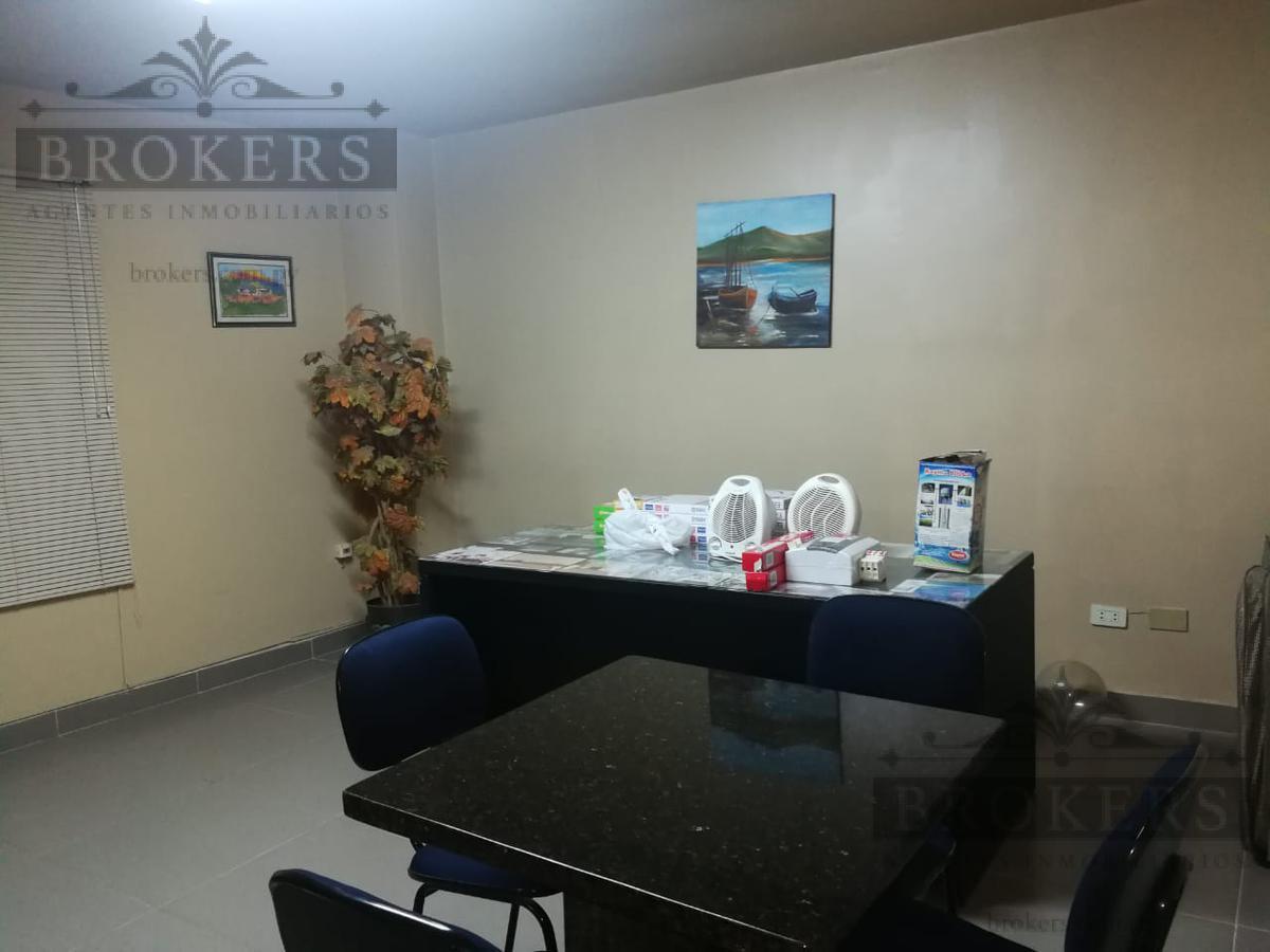 Foto Oficina en Alquiler en  4to. Barrio,  Luque  ALQUILLO OFICINA 5 AMBIENTES EN 4TO.  BARRIO, LUQUE