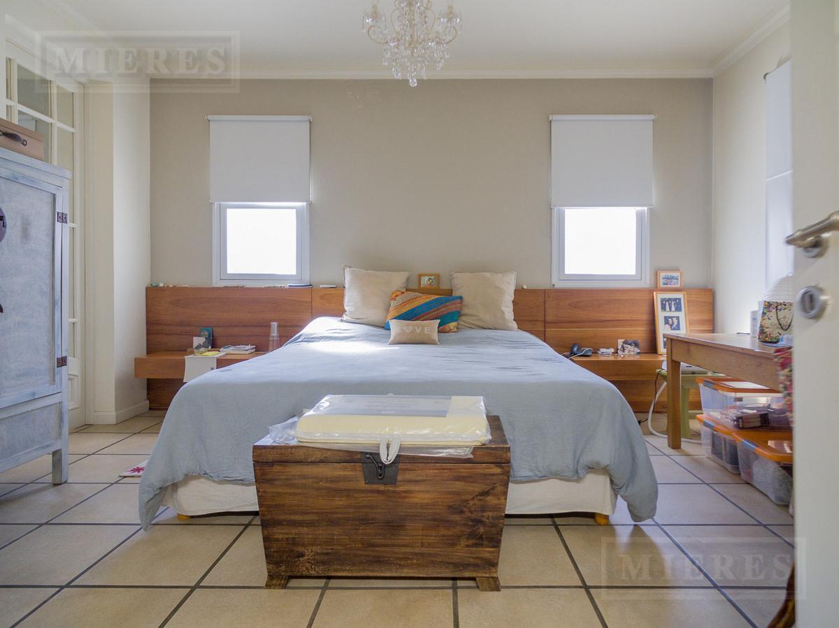 Santa Barbara - Casa A LA LAGUNA en venta y alquiler (Apto crédito)