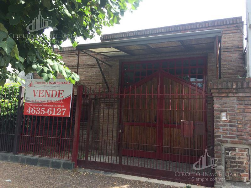 Foto Casa en Venta en  Parque Avellaneda ,  Capital Federal  Av. San Juan Bautista de La Salle al 1726