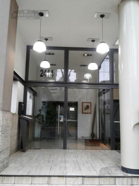 Foto Departamento en Alquiler en  Lomas De Zamora,  Lomas De Zamora  ALMIRANTE BROWN 2414  5º PISO B