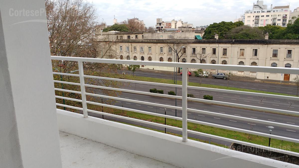 Foto Departamento en Venta en  Saavedra ,  Capital Federal  Holmeberg 4136  5ºD
