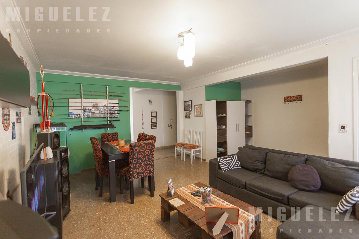 Foto Casa en Venta en  Lomas De Zamora,  Lomas De Zamora  Matheu 976