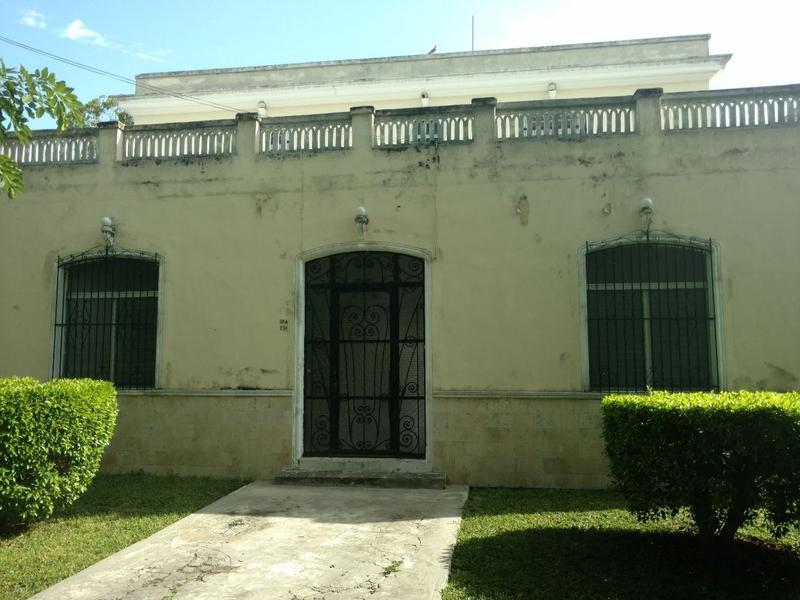 Foto Casa en Renta en  AlcalA Martín,  Mérida  Se Renta para Negocio Casona Sobre la Avenida del Deportista.