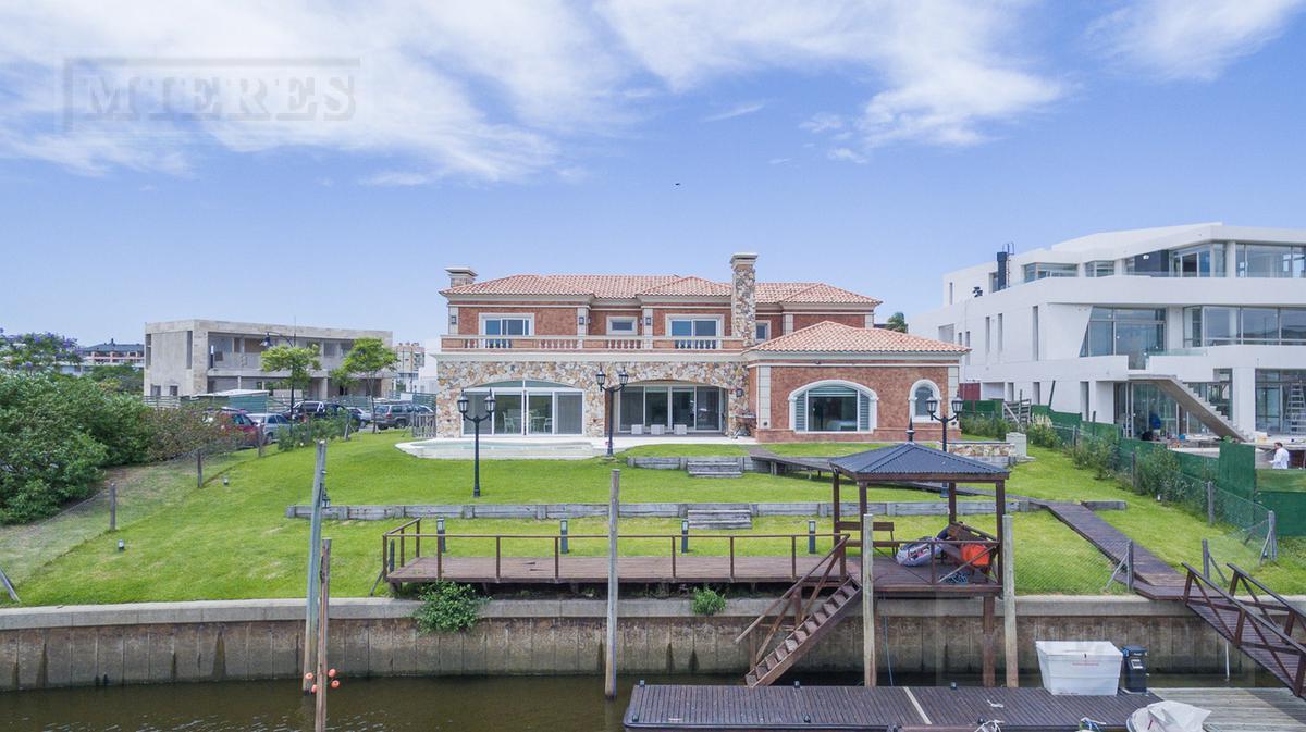Casa - El Yacht