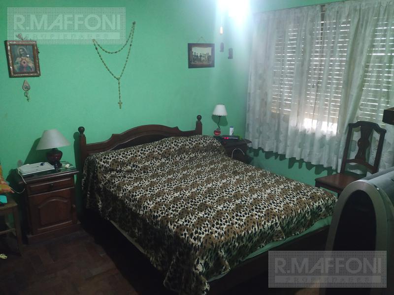 Foto Casa en Venta en  Adrogue,  Almirante Brown  J de la Peña al 300